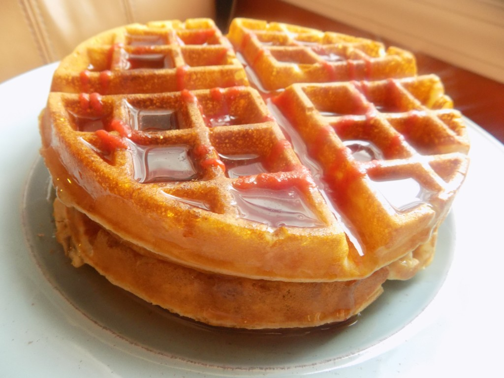 how to keep waffles crispy after cooking